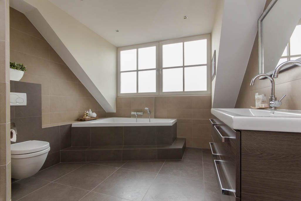 20170331 163603 dakkapel voor badkamer - Vintage badkamer ...